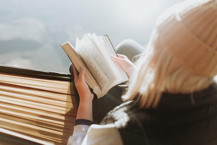 4 Mitos Keliru Tentang Introvert | WeCare.id