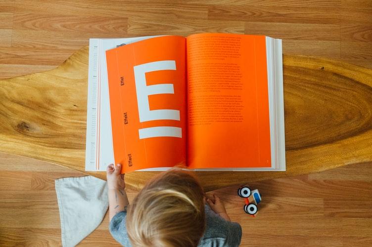 Mengenal 4 Tokoh Sukses Penderita Disleksia | WeCare.id