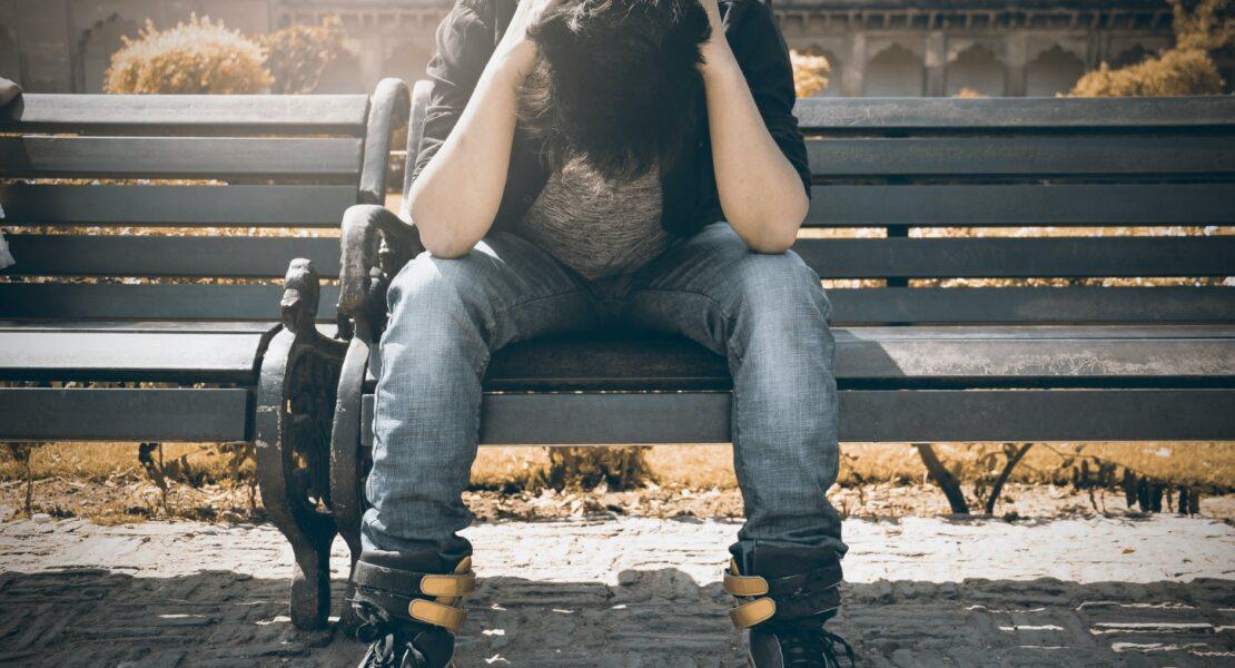 Mengenal Bahaya Anxiety Attack dan Cara Mengatasinya | WeCare.id