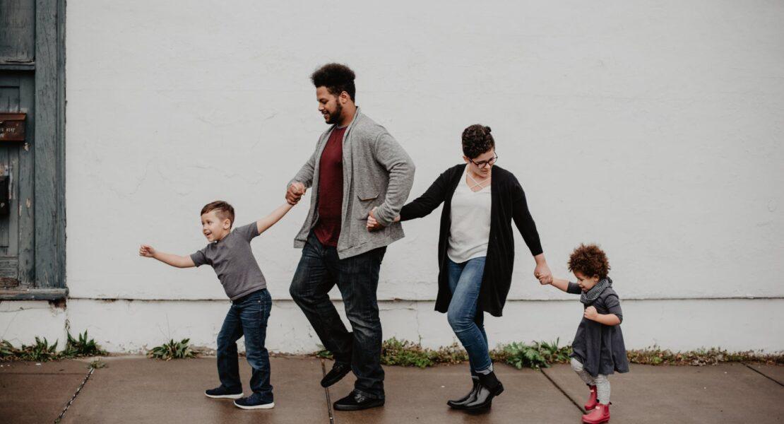 Jenis – Jenis Parenting, Bagaimana Perbandingannya? | WeCare.id