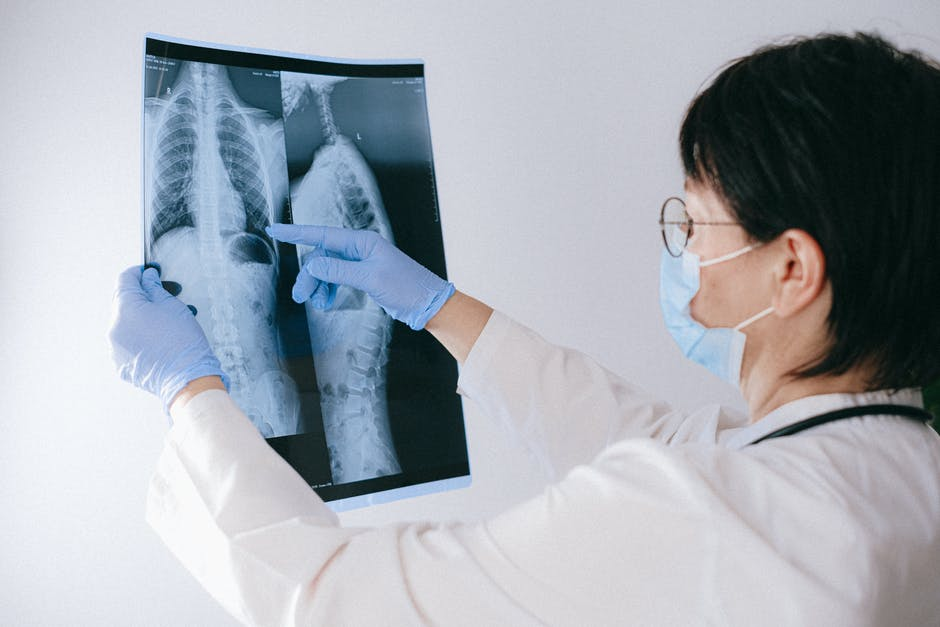 Mengenali Penyakit Paru-Paru Basah dan Penyebabnya | WeCare.id