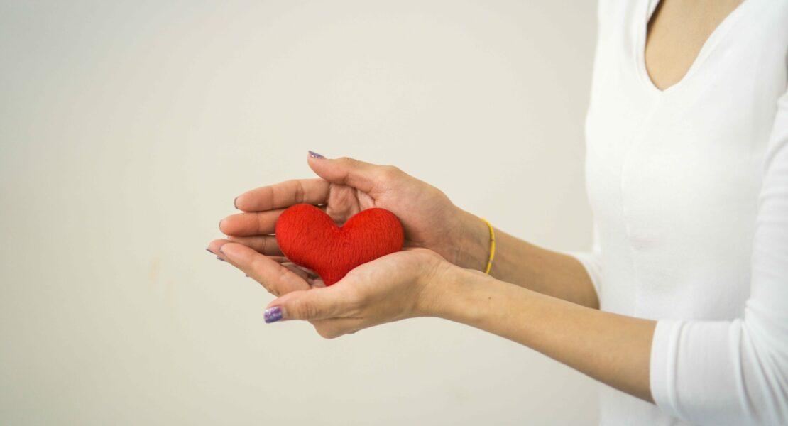 5 Keajaiban Sedekah yang Buat Hidup Lebih Bahagia