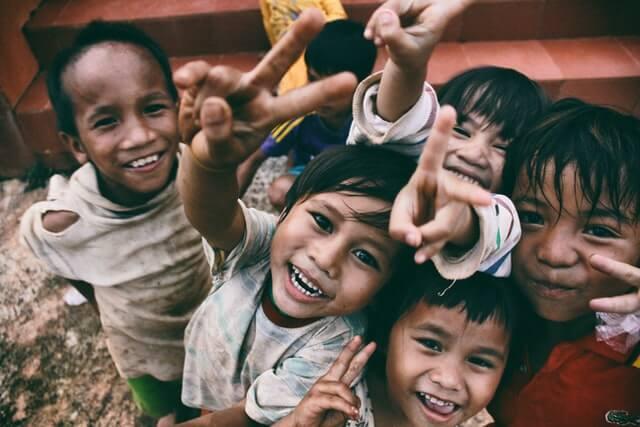 Mengenal Definisi Anak Terlantar dan Cara Memberikan Bantuan | WeCare.id