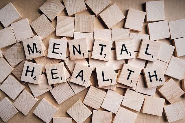 Gejala, Penyebab, dan Cara Menjaga Kesehatan Mental | WeCare.id