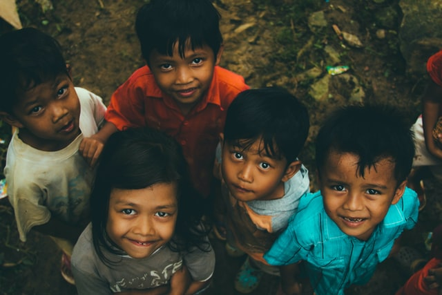 Berbagi Kebahagiaan dengan Anak Yatim | WeCare.id