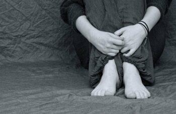 Kenali 3 Perbedaan Antara Burnout dan Depresi | WeCare.id
